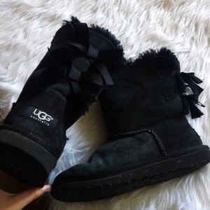 Women's ugg black boots with bows